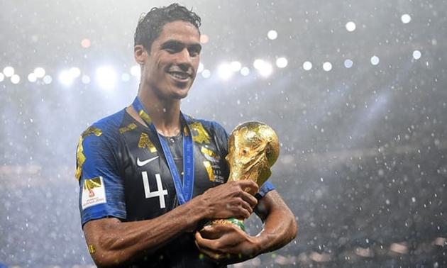 Varane vô địch cúp châu Âu và World Cup cùng một năm, vậy còn ai làm được điều đó? - Bóng Đá