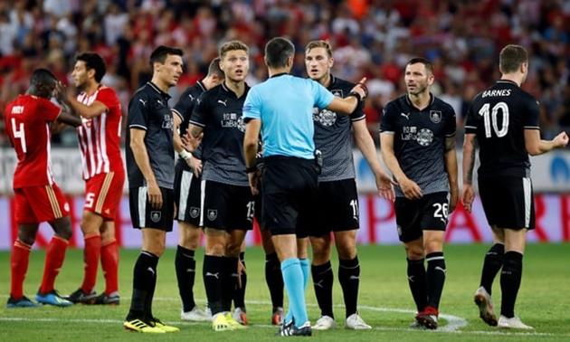 Lượt đi play-off Europa League: Burnley bất lợi lớn trước trận lượt về - Bóng Đá