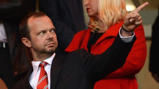 SỐC: Fan Man Utd quyết treo banner đuổi cổ Ed Woodward - Bóng Đá