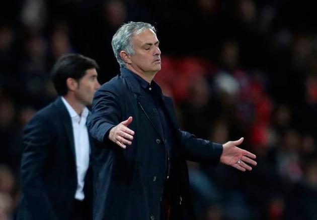 Man Utd đến muộn, chuẩn bị nhận án phạt từ UEFA - Bóng Đá