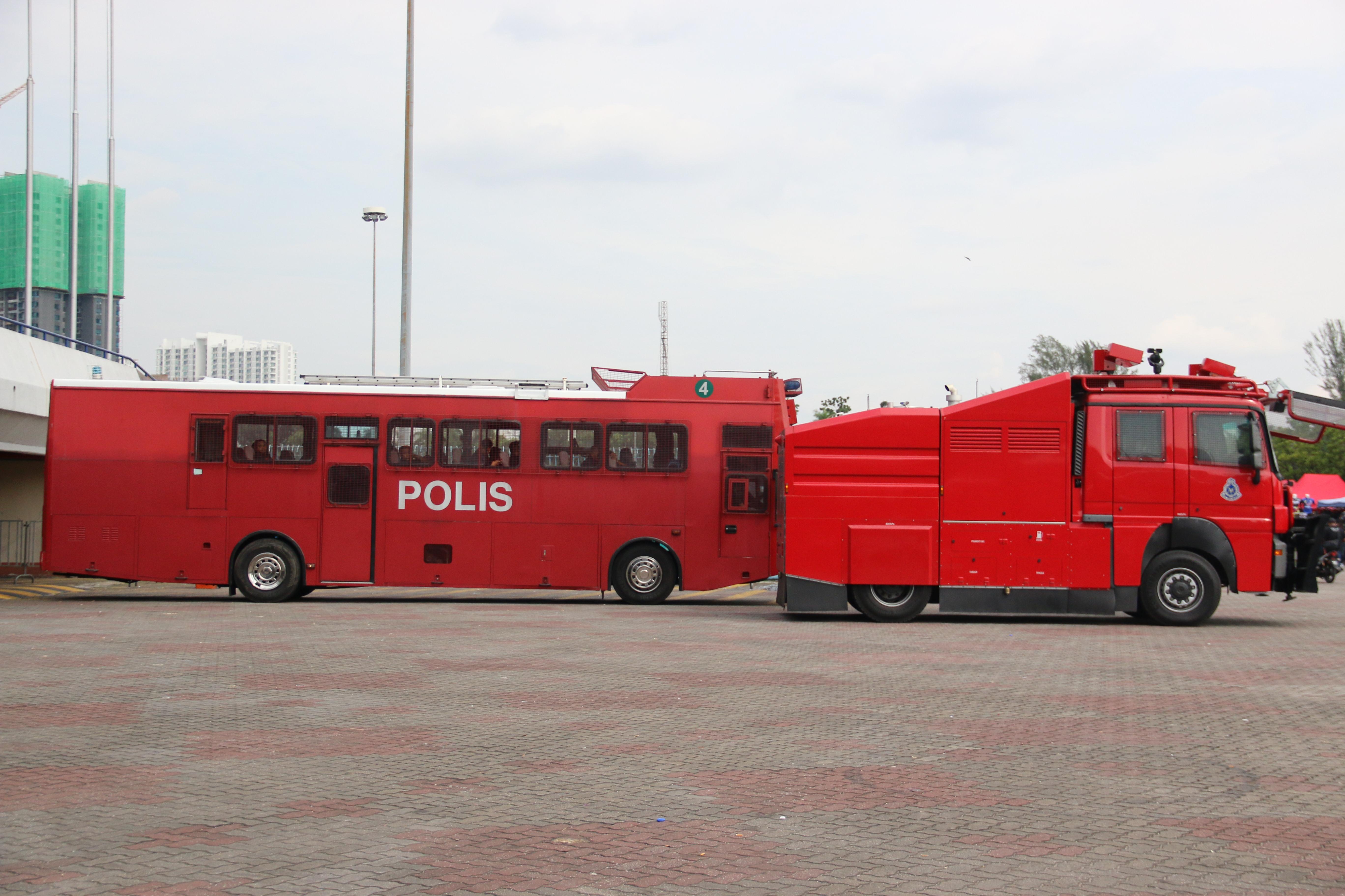 choáng ngợp với dàn an ninh bảo vệ trận chung kết SEA Games 29 - Bóng Đá