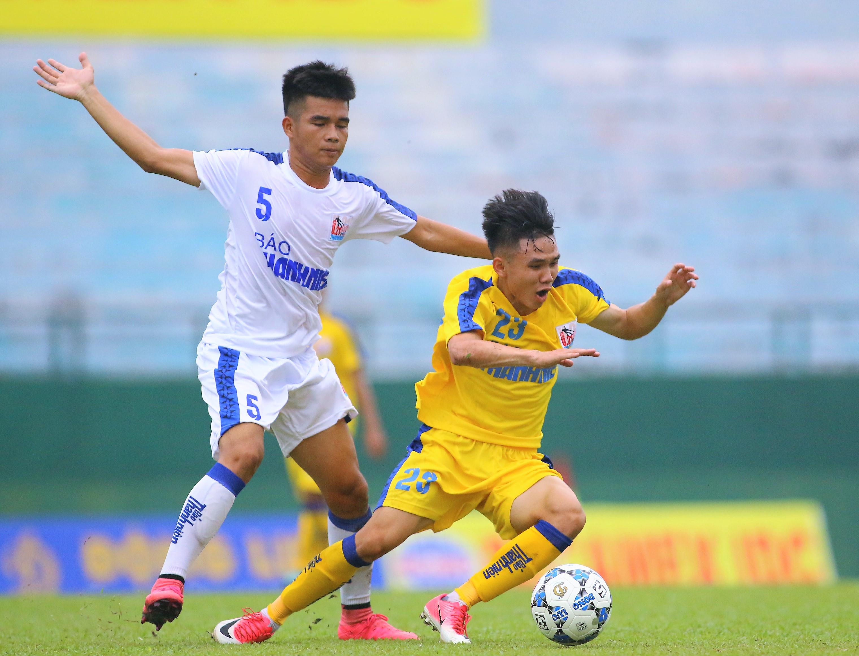 HLV Đinh Văn Dũng tiếc nuối U21 SLNA chia điểm cùng An Giang - Bóng Đá