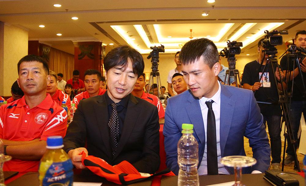 V-League 2018: Chờ làn gió mới trên băng ghế huấn luyện - Bóng Đá