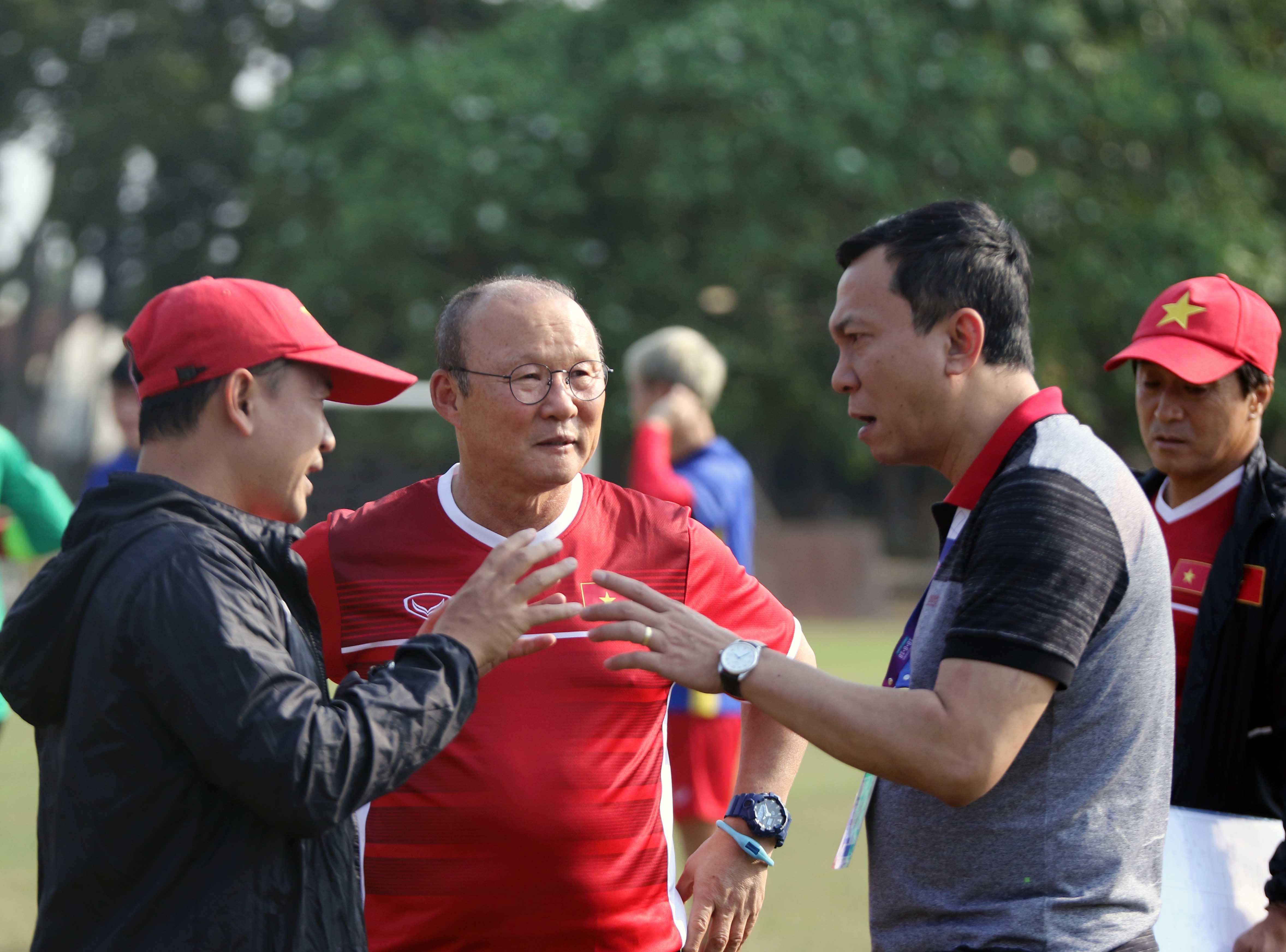 Ban huấn luyện hài lòng về sân tập của U23 Việt Nam tại ASIAD 2018 - Bóng Đá