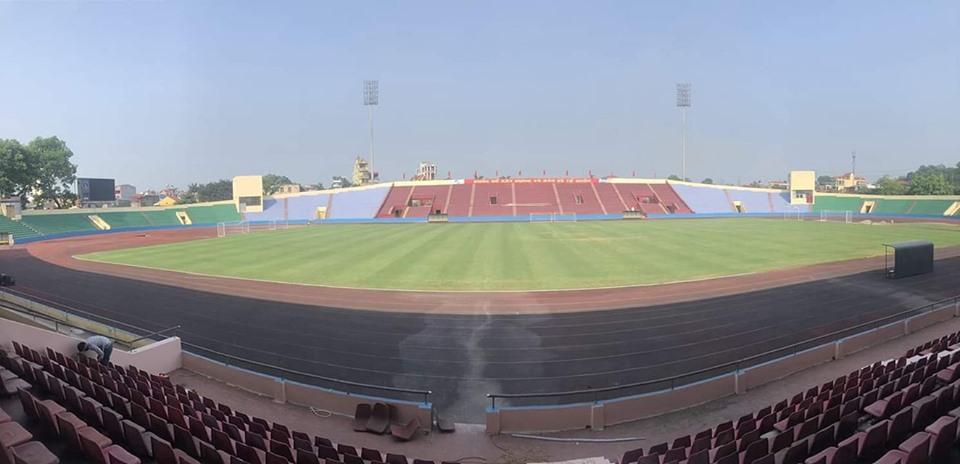 Sân Việt Trì gấp rút chuẩn bị công tác trận U23 Việt Nam gặp U23 Myanmar - Bóng Đá