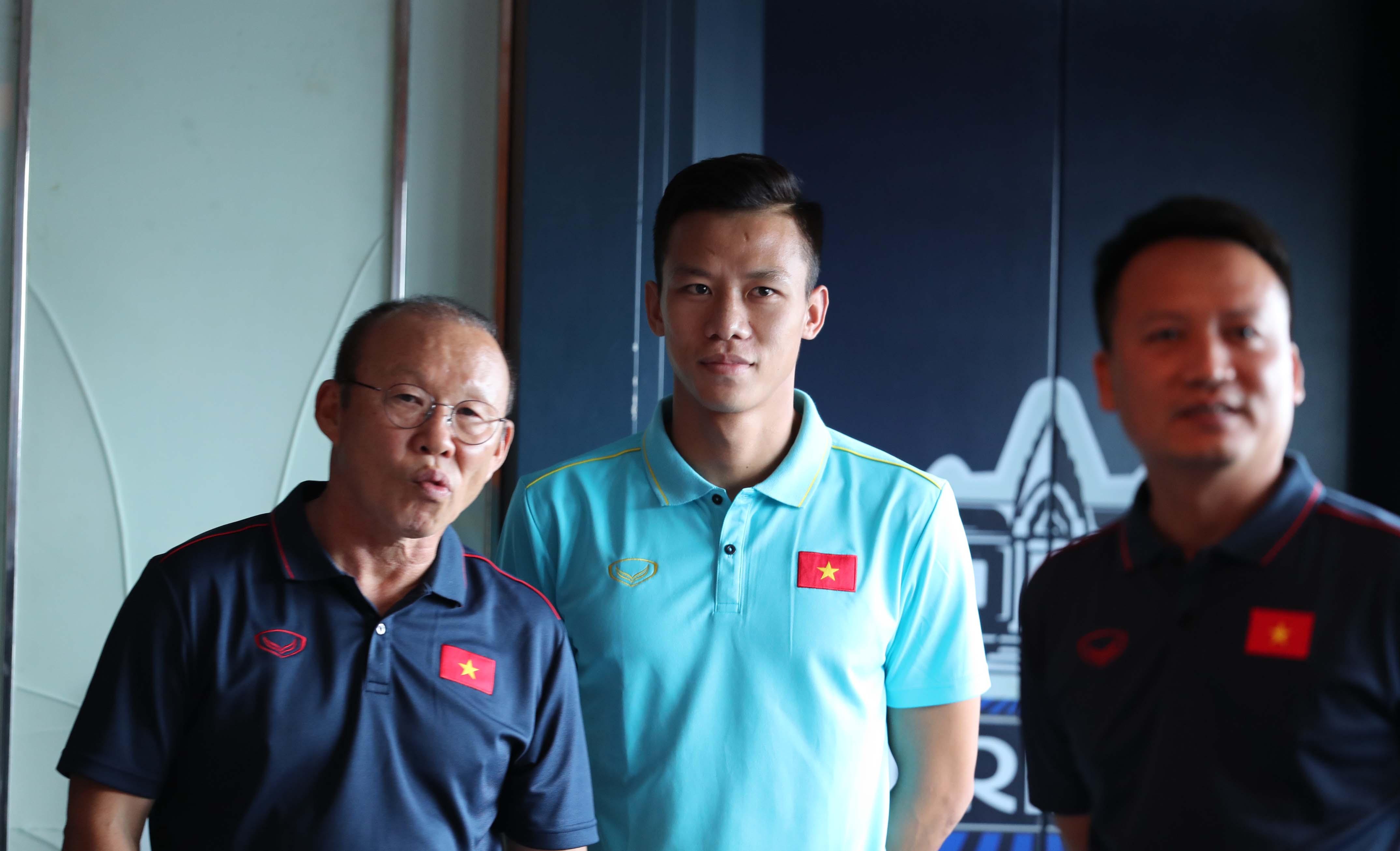 Điểm tin bóng đá Việt Nam tối 06/09: Báo Hàn ca ngợi hành động thầy Park bảo vệ học trò - Bóng Đá