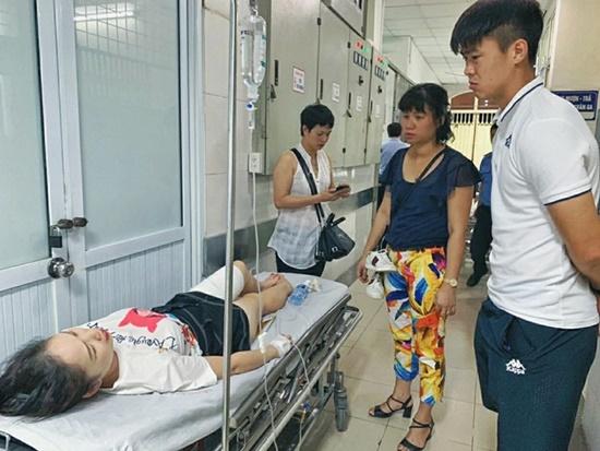 """Chấn thương nữ CĐV Hà Nội FC: """"Chấn thương phần mềm, không có tổn thương xương"""" - Bóng Đá"""