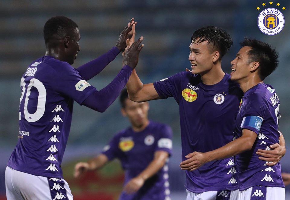 Vắng Quang Hải, Hà Nội đả bại Nam Định trong cơn mưa bàn thắng - Bóng Đá