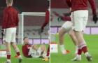 Sao trẻ Arsenal hét thất thanh vì chấn thương quá đau đớn