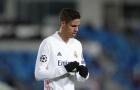 'Man United không nên chiêu mộ Varane'