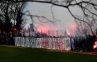 CHOÁNG! Người hâm mộ đốt pháo sáng trên sân tập của AC Milan