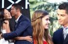 Những khoảnh khắc Ronaldo khiến fan nữ 'tan chảy'