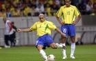 Xem Roberto Carlos chỉ học trò cách sút phạt trái chuối