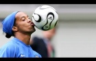 Khả năng đá phạt siêu dị của Ronaldinho