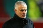 'Mourinho đang làm phòng thay đồ Man Utd rách nát'