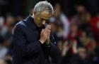 Bị Tottenham sờ gáy, Mourinho phải công khai xin lỗi