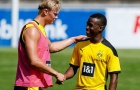 Từ Moukoko đến Haaland: Đội hình wonderkid 'nhìn là mê' của Dortmund