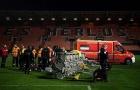 Sốc: Đèn pha ở sân vận động Ligue 1 rơi gây chết người