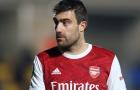 Đạt thỏa thuận với CLB mới, 'nạn nhân' của Mari dứt tình với Arsenal