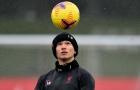 Dàn sao Liverpool đeo khẩu trang kín mít, Thiago múa rabona trước derby nước Anh