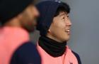 Sắp đụng độ 'bé bự', Son Heung-min chơi trò lạ trên sân tập