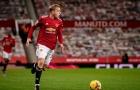 Mark Hughes: 'Cầu thủ Man Utd chưa tin tưởng Van de Beek'