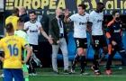 SỐC: Sao La Liga gọi đối thủ là 'con khỉ', tập thể Valencia bỏ trận