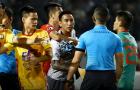 Cầu thủ TPHCM bị phạt, trọng tài vẫn nhờ luật sư khởi kiện