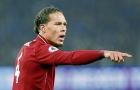Không thi đấu, Van Dijk truyền bí kíp phòng ngự cho tân binh Liverpool