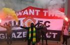 Huyền thoại Liverpool sợ hãi: 'Đừng có mà lộn xộn'