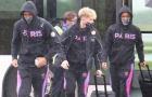 Lộ hình ảnh về Mbappe, PSG 'sợ hãi' hành quân đến Manchester
