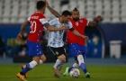 Messi cô đơn cùng cực, đối đầu rừng cầu thủ Chile mà không ai hỗ trợ