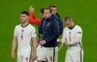 Mesut Ozil xát muối ĐT Anh