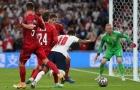 Làng túc cầu đang dậy sóng vì quả penalty của Raheem Sterling