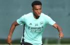 CĐV Arsenal muốn CLB giữ chân bằng được tiền vệ 21 tuổi