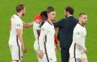 Ozil gửi thông điệp xúc động đến Bukayo Saka