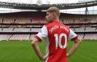 CĐV Arsenal lo lắng sau khi Smith Rowe chọn áo số 10