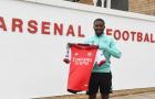Arsenal ký hợp đồng với cầu thủ chạy cánh người Anh