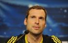 Cech: 'Chỉ có 1 thủ môn sẽ gia nhập Chelsea và đó là cậu'