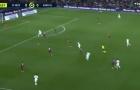 Neymar tỏ rõ đẳng cấp nhờ vào đường chọc khe kinh điển
