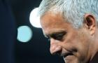 Muối mặt trước Sarriball, Roma của Mourinho lộ điểm yếu chí mạng
