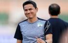 Việt Nam đấu Oman, Kiatisak làm điều đặc biệt