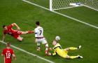 Nã cú đúp xé lưới Hungary, Ronaldo lập 2 siêu kỷ lục tại EURO