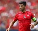 Chiêu mộ thủ quân Albania, Man Utd 'một mũi tên trúng ba đích'