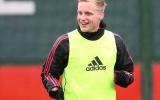 Rất nhanh chóng, Man Utd ra giá bán đứt Van de Beek
