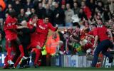 Liverpool thắng Man United sau 85 năm và vết sẹo Vidic gây ra cho Peter Crouch