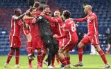 Alisson 'giải cứu' phút 90+5, Liverpool áp sát top 4