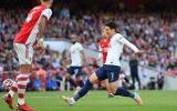 Arsenal có số 10 hộ mệnh, hung thần xuất hiện ở Emirates