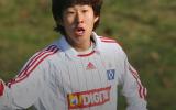 10 năm trước, 'Ronaldo Hàn Quốc' nổ phát súng đầu tiên