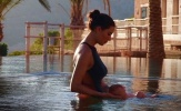 'Máy bay' của Sergio Ramos khoe dáng nuột nà sau khi sinh con
